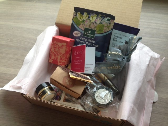 Yuzen Reviews - Spring Box - Monthly Women's Subscription Boxes