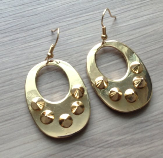 JewelMint Mystery Box Review - Jan 2014 Gold Earrings
