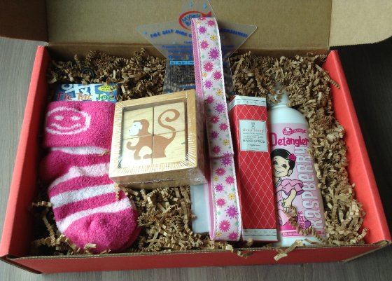 Bluum Baby Subscription Box Review & Coupon - March 2014 Items