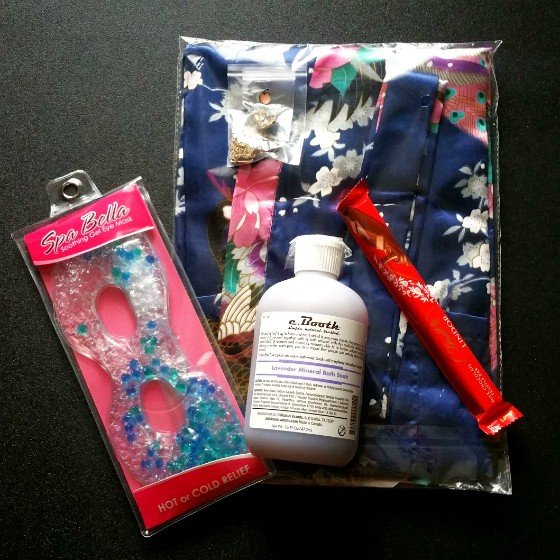 Peaches And Petals Subscription Box Review December 2015 - all items