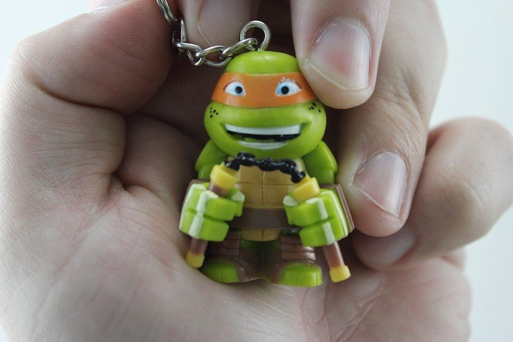 TMNT Box Subscription Box Review March 2016 - michaelangelo keychain