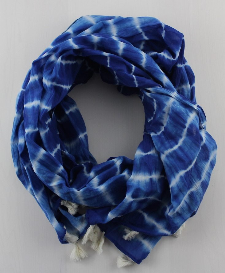 globe-in-benefit-basket-may-2016-scarf