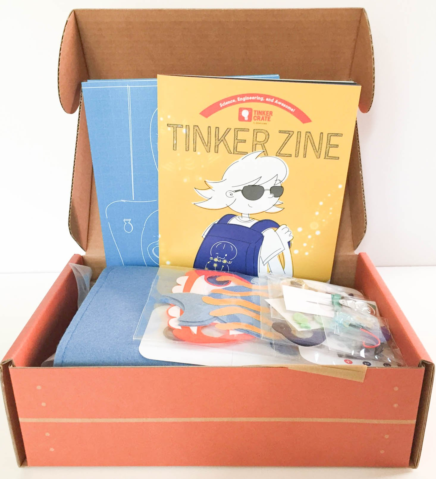 tinker-crate-september-2016-box-inside
