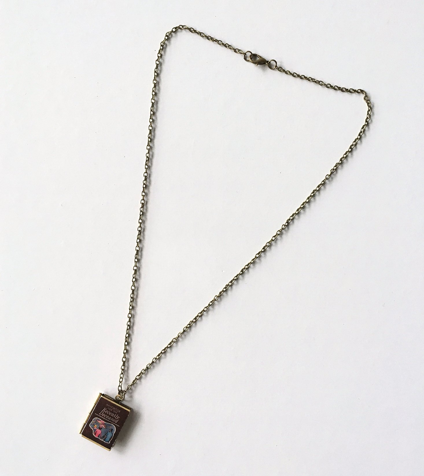 geek-chic-monthly-october-2016-necklace