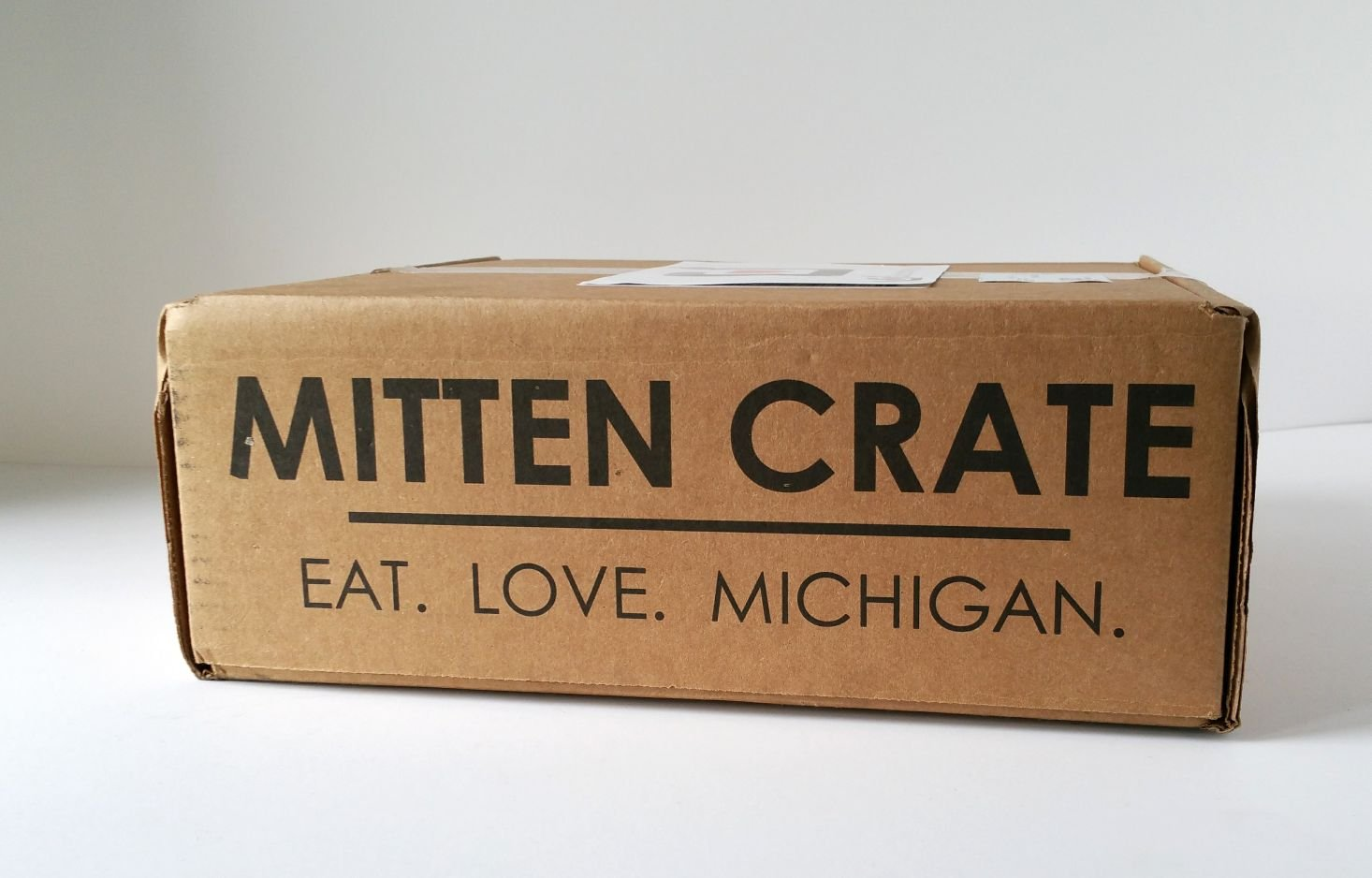 mitten-crate-october-2016-box