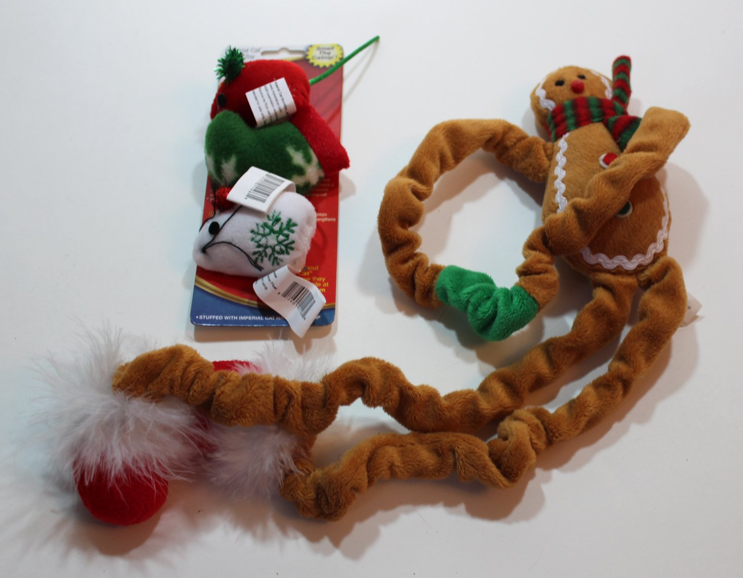 cat-claws-club-december-2016-toys