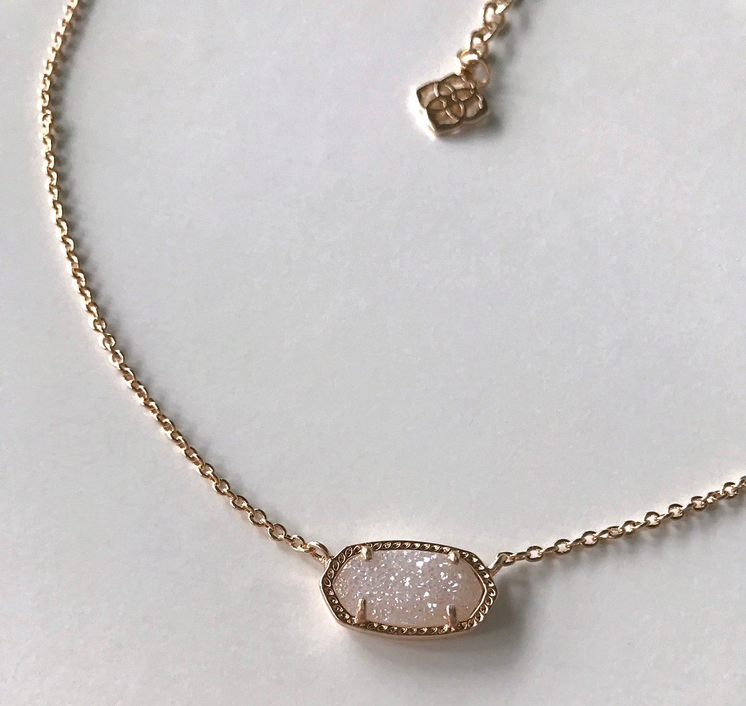 rocksbox-december-2016-kendra-scott-necklace-closeup