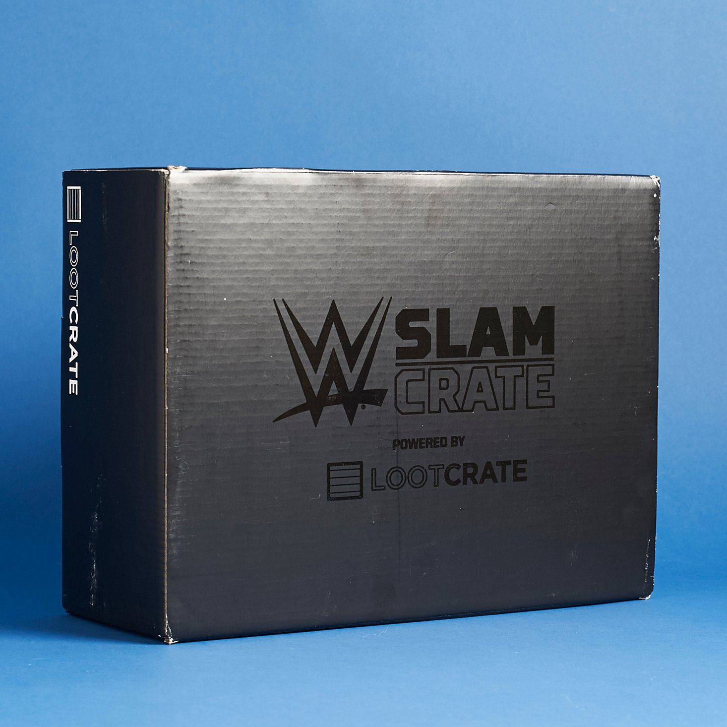 wwe-slam-crate-loot-crate-december-2016-0001