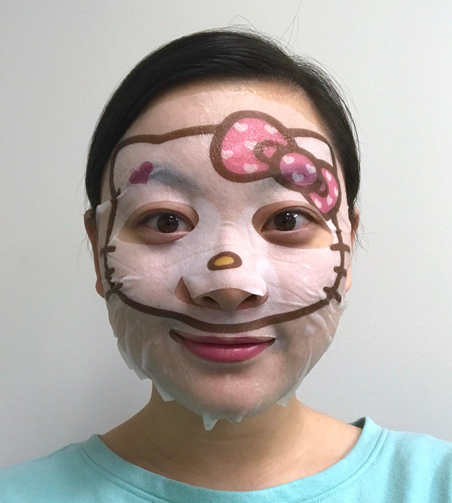Memebox-Me-To-Me-February-2017-Hello-Kitty-Mask-Closeup