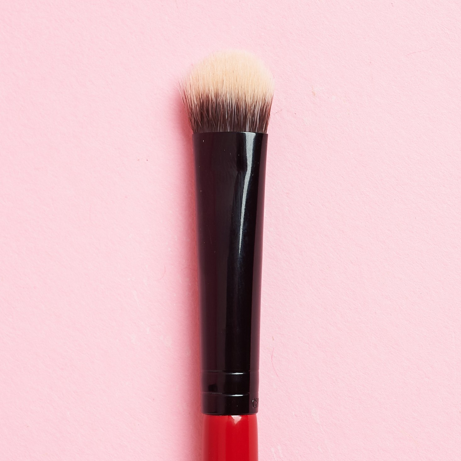 straight on photo of top of Smashbox Cosmetics Camera Ready Intensifier Brush