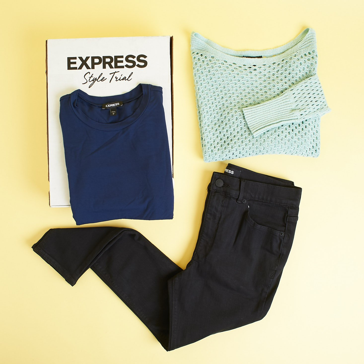 3 Express clothing items around box - delivery #3