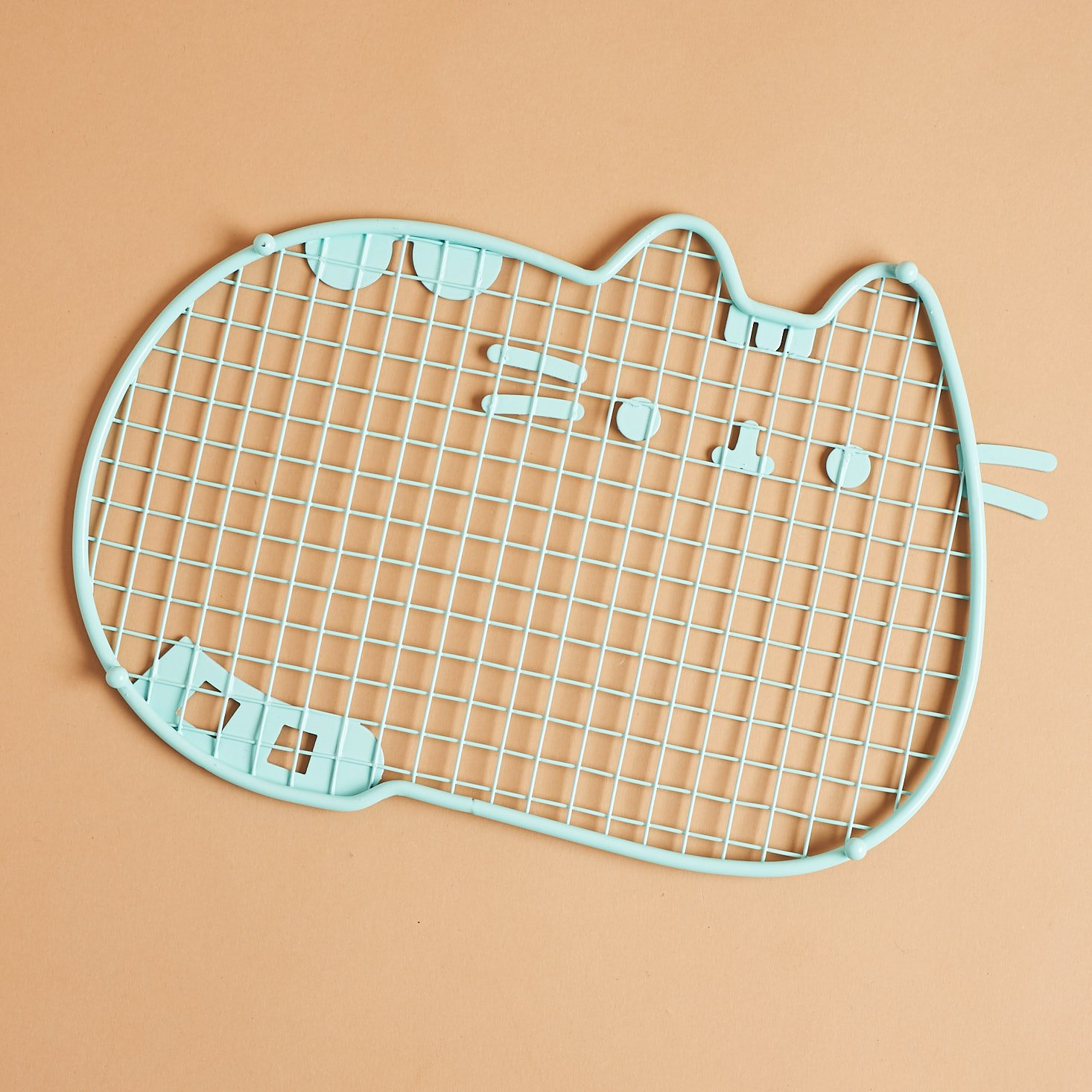 bottom of Pusheen Cooling Rack