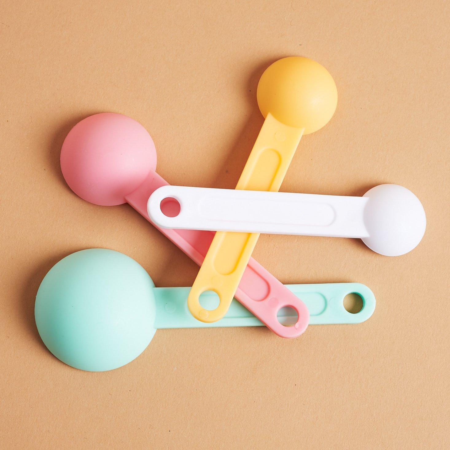 back of Pusheen Measuring spoons