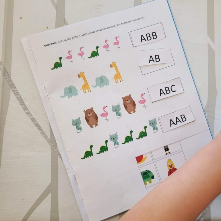 Preschool Box June 2020 pattern identification activity