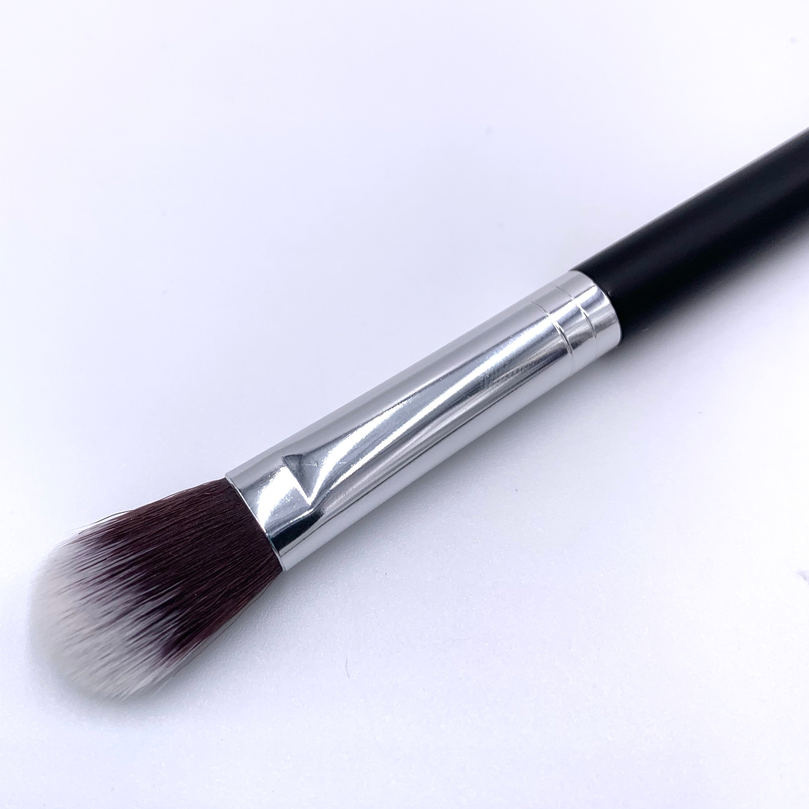 Beau Gâchis Cosmetics Brush Illuminator Back for Ipsy Glam Bag September 2020